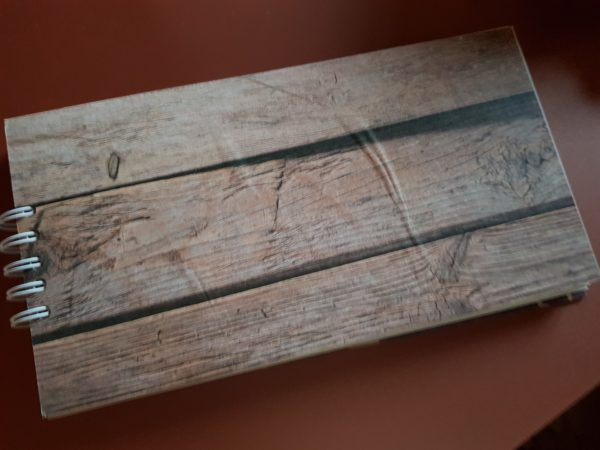 Libreta encuadernada a mano, papel modelo madera