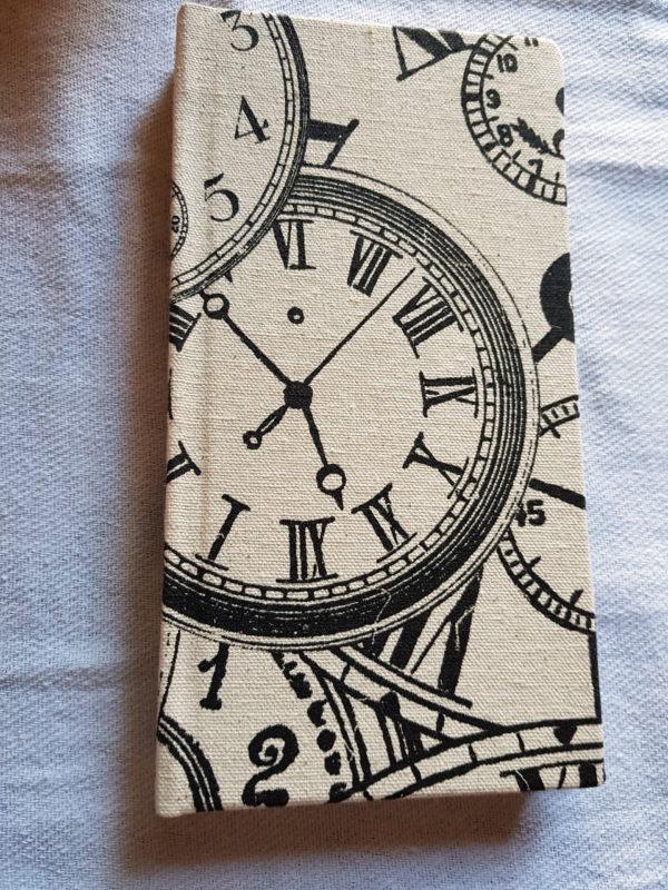 Libreta de tela, modelo relojes, cosida y encuadernada a mano, edición única