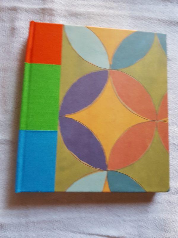 Libreta cosida y encuadernada a mano, edición única