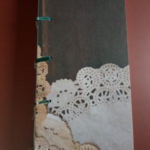 Libreta cosida y encuadernada a mano, papel blonda cocina