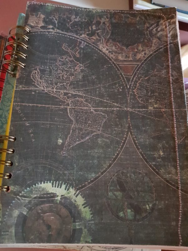 Libreta hecha a mano, con paginas interiores personalizadas de papel de colores sedosos