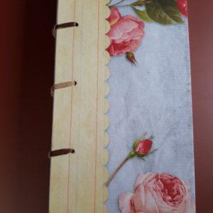 Libreta cosida y encuadernada a mano, motivo rosas