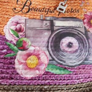 Bolso de hilo de algodón combinación de colores, forrado de tela de loneta y aplique textil de cámara de fotos y flores.