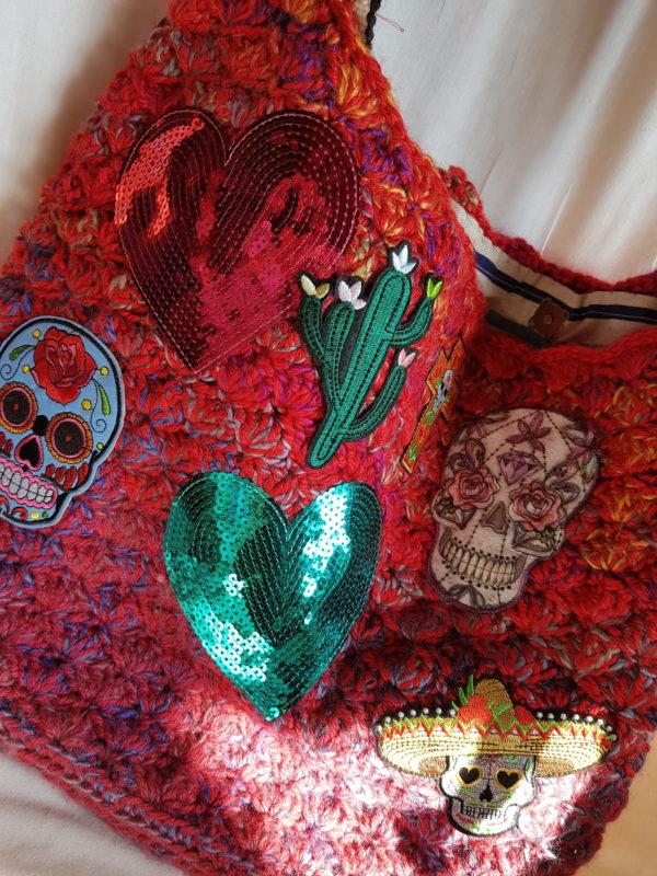 Detalle de los complementos de la Bolsa Frida
