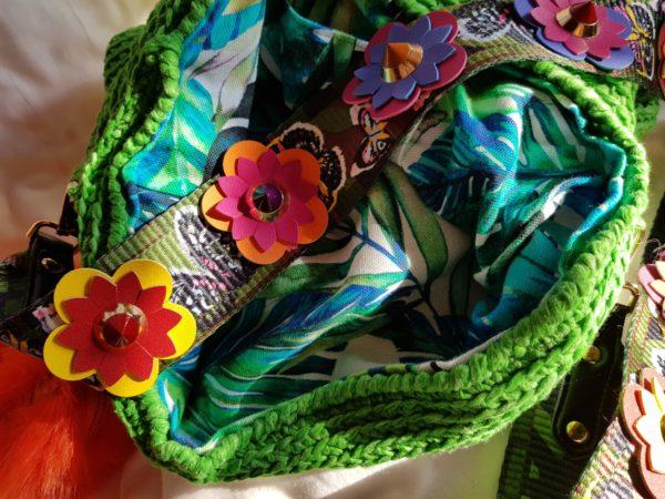 etalle asa del bolso y interior de la bolsa forrada con tela de loneta tropical